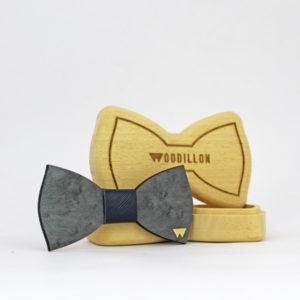 Papillon in legno Chaplin, acero occhiolinato, con nodo in pelle di vitello, marcato Woodillon
