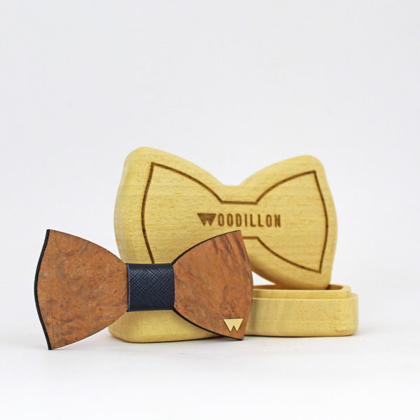 Papillon in legno Lorillard, in radica di noce, con nodo in pelle di vitello, marchiato Woodillon