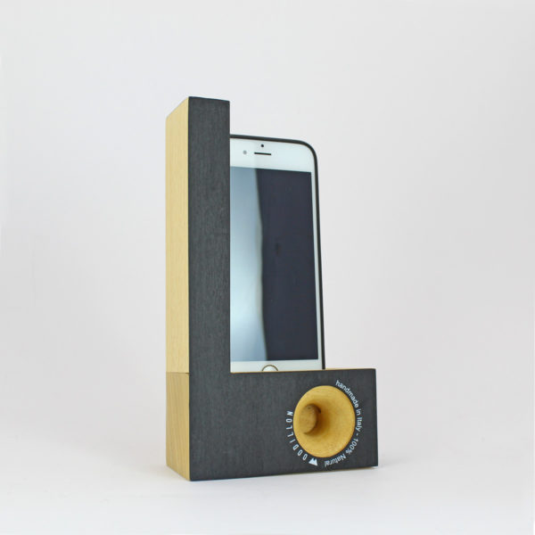 Smartphone station Woodillon