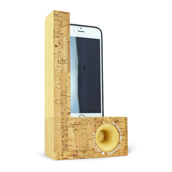 Smartphone Station - Woodillon
